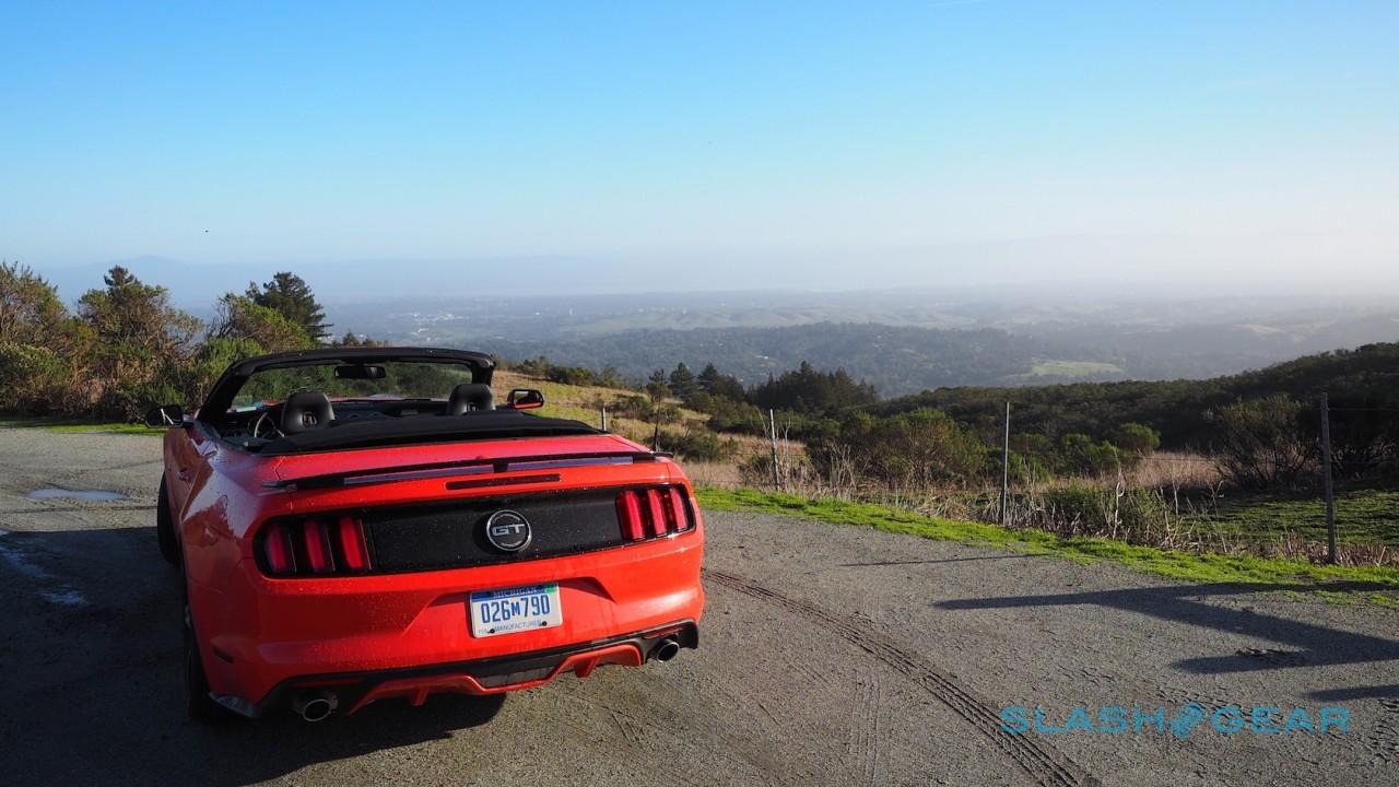 2016-ford-mustang-gt-convertible-california-special-12