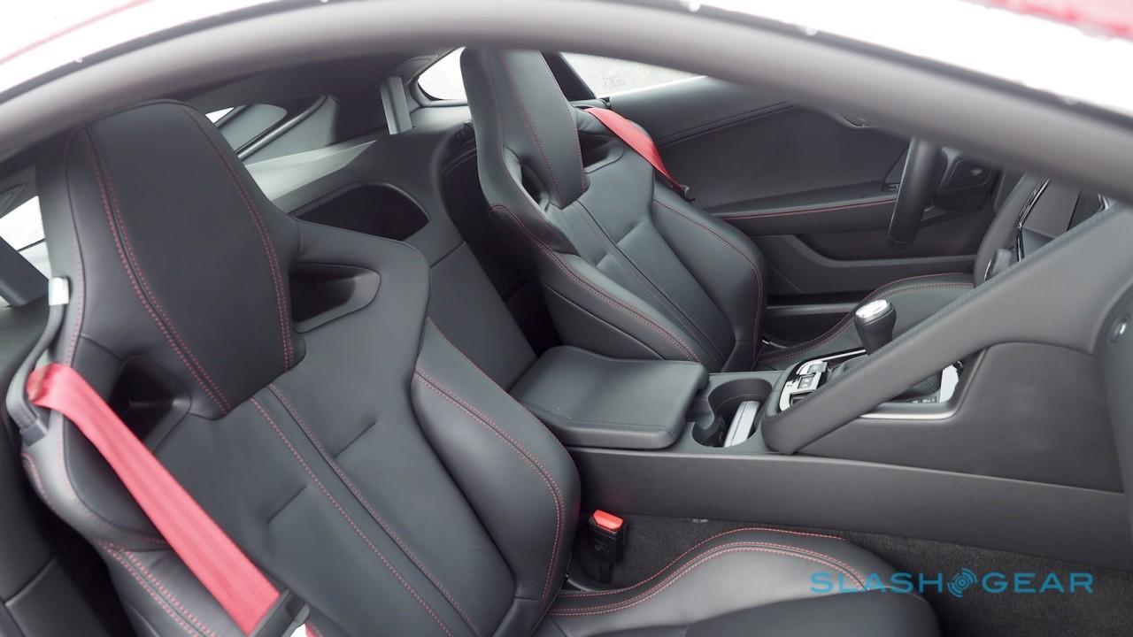 2016-jaguar-f-type-coupe-review-15
