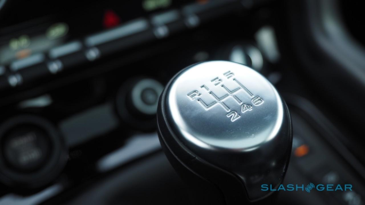 2016-jaguar-f-type-coupe-review-26