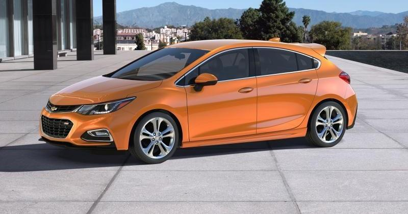 2017 Cruze Hatch brings sportiness to Chevy's best-seller