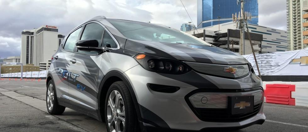 2017 Chevrolet Bolt EV revealed with 200 mile electric range