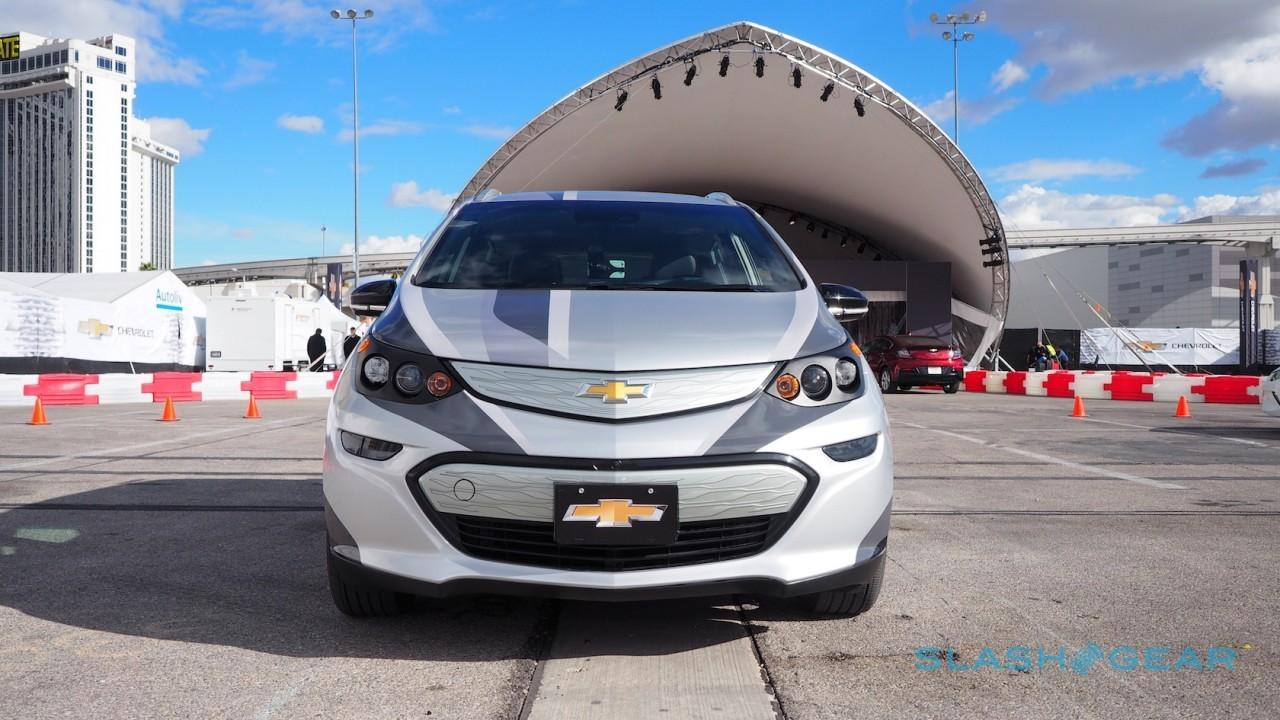 2017-chevrolet-bolt-ev-prototype-first-drive-4