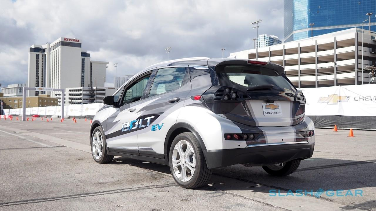 2017-chevrolet-bolt-ev-prototype-first-drive-7