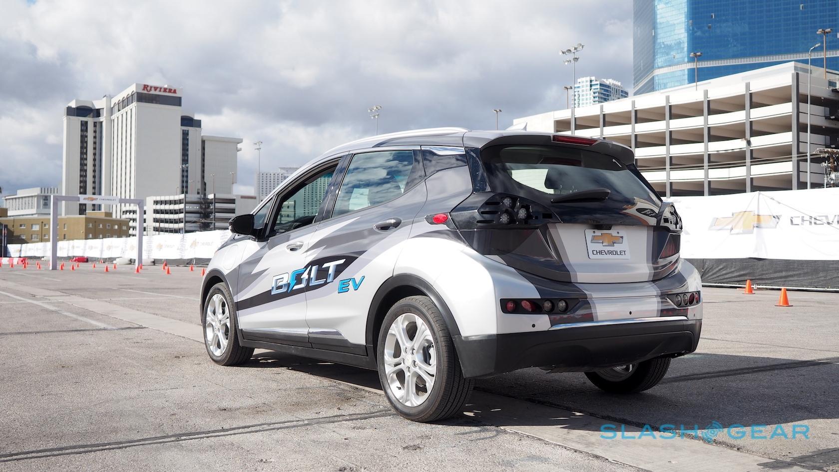 2017-chevrolet-bolt-ev-prototype-first-drive-7