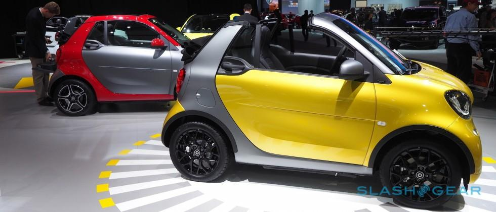 Love it or hate it, the 2017 Smart ForTwo Cabrio makes US debut