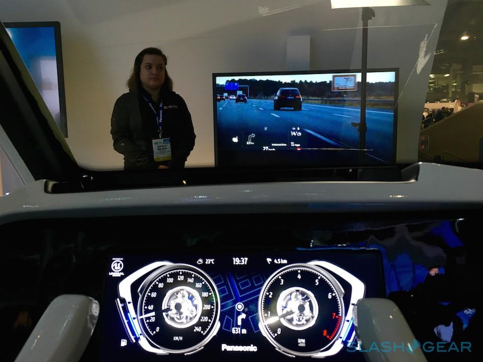 Panasonic Advance Cockpit 2020 HUD