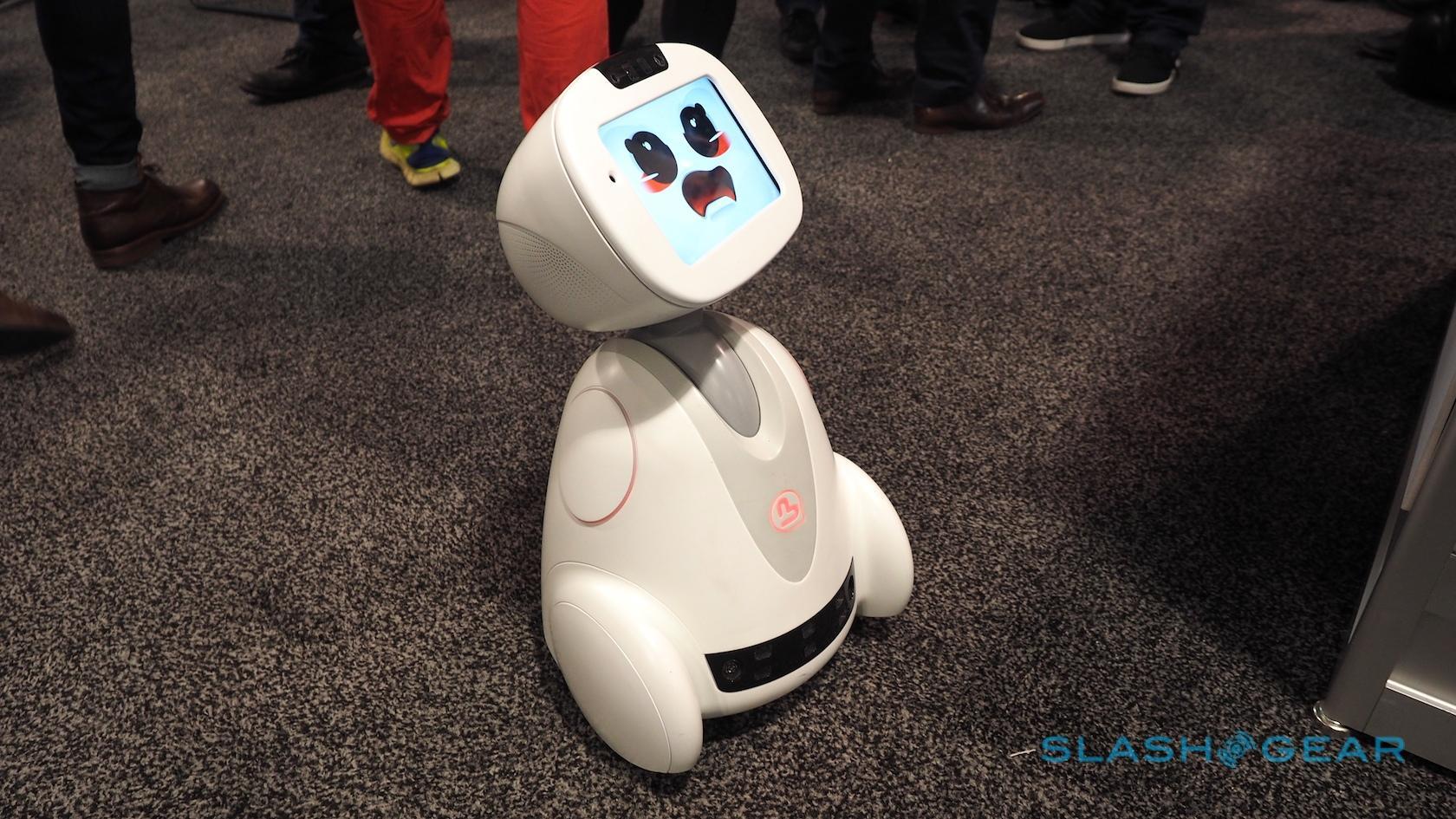 buddy-robot-ces-2016-3