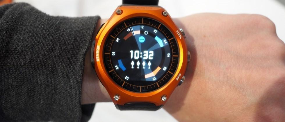 Casio Android Wear watch hands-on: rugged and huge