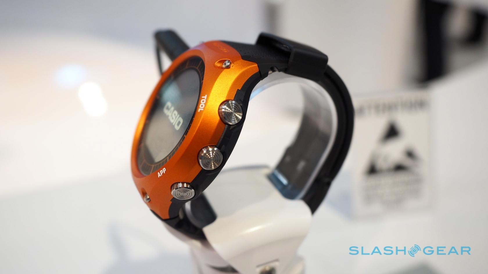 casio-smartwatch-ces-2016-hands-on-sg-4