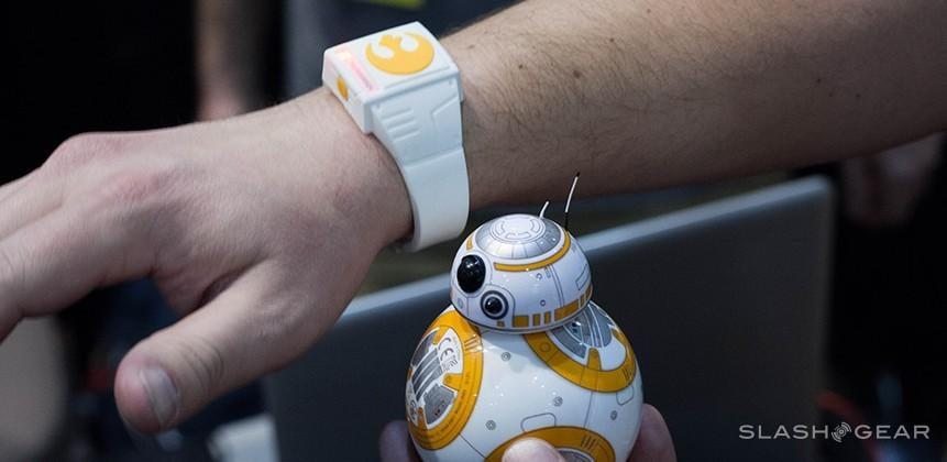 Star Wars Force Band by Sphero commands BB-8 (our hands-on)