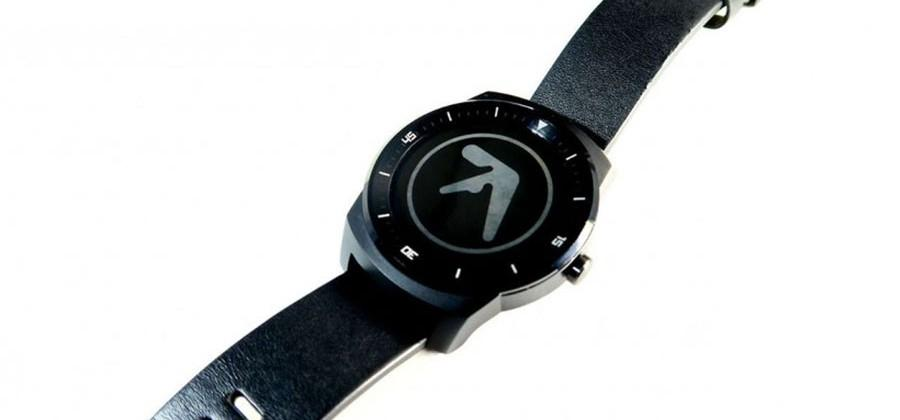 AsteroidOS can run on some Android Wear smartwatches