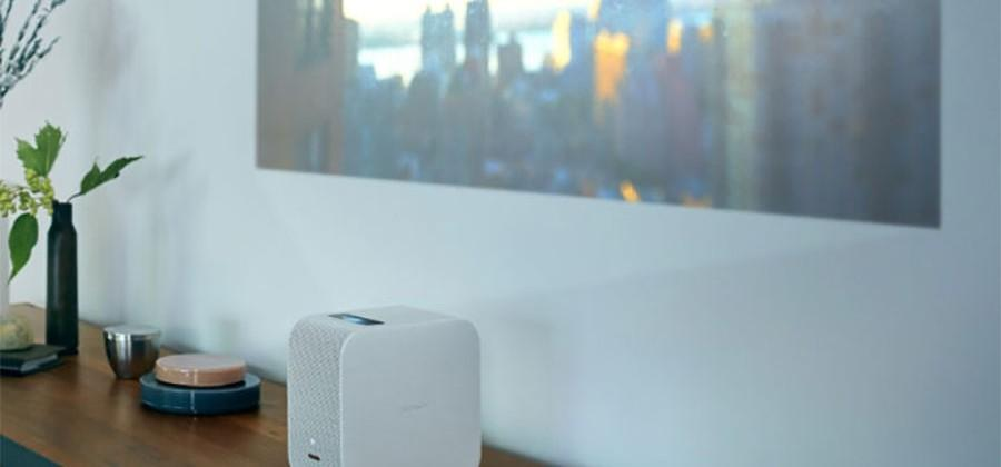 Sony LSPX-P1 portable ultra-short focus projector throws big image