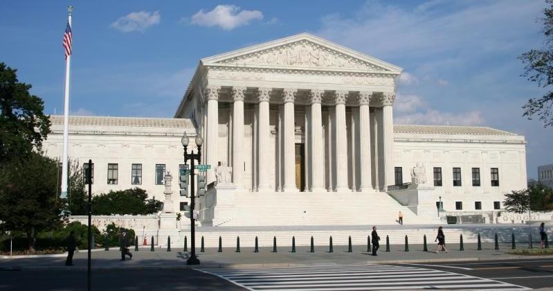 Google, Facebook back Samsung on Supreme Court patent appeal