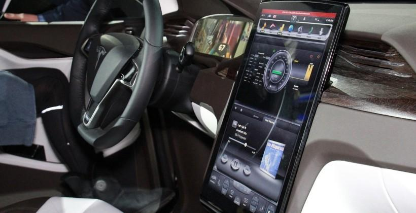 Tesla to ditch SDK in favor of mirroring iOS, Android apps