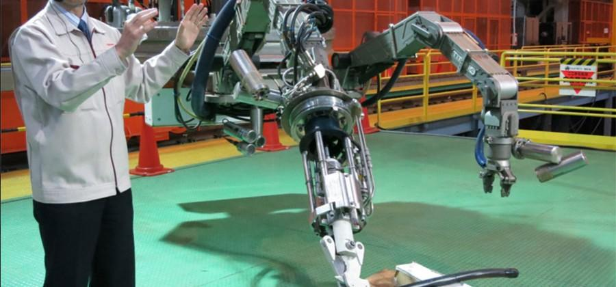 Toshiba robot is designed to remove fuel rods from Fukushima reactor
