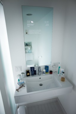 1k31CzsZOtqA89PBVNN5zWA 256x383 - Google Now Gives You A Peek Of What Mirrors In The Future Will Look Like