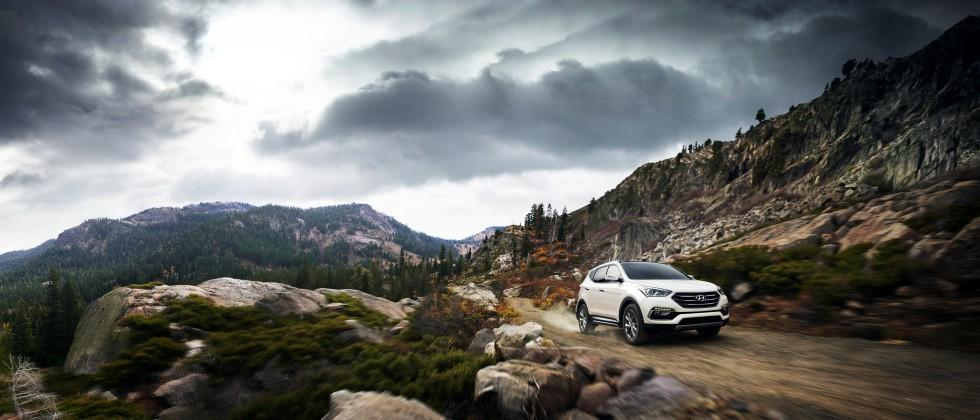 2017 Hyundai Santa Fe Adds Safety, Style at Chicago Auto Show