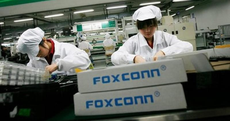 Foxconn, Sharp deal in danger due to financial liabilities