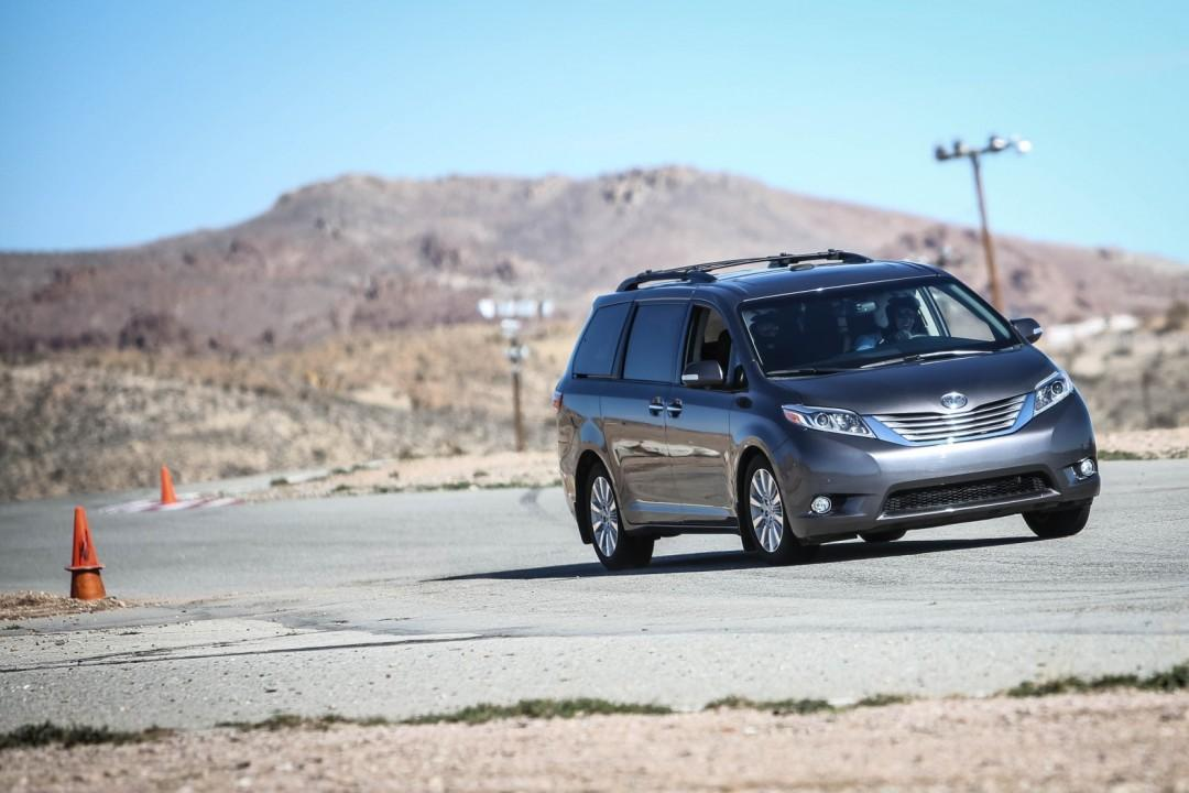 Toyota Sienna R-Tuned and S-Tuned 21