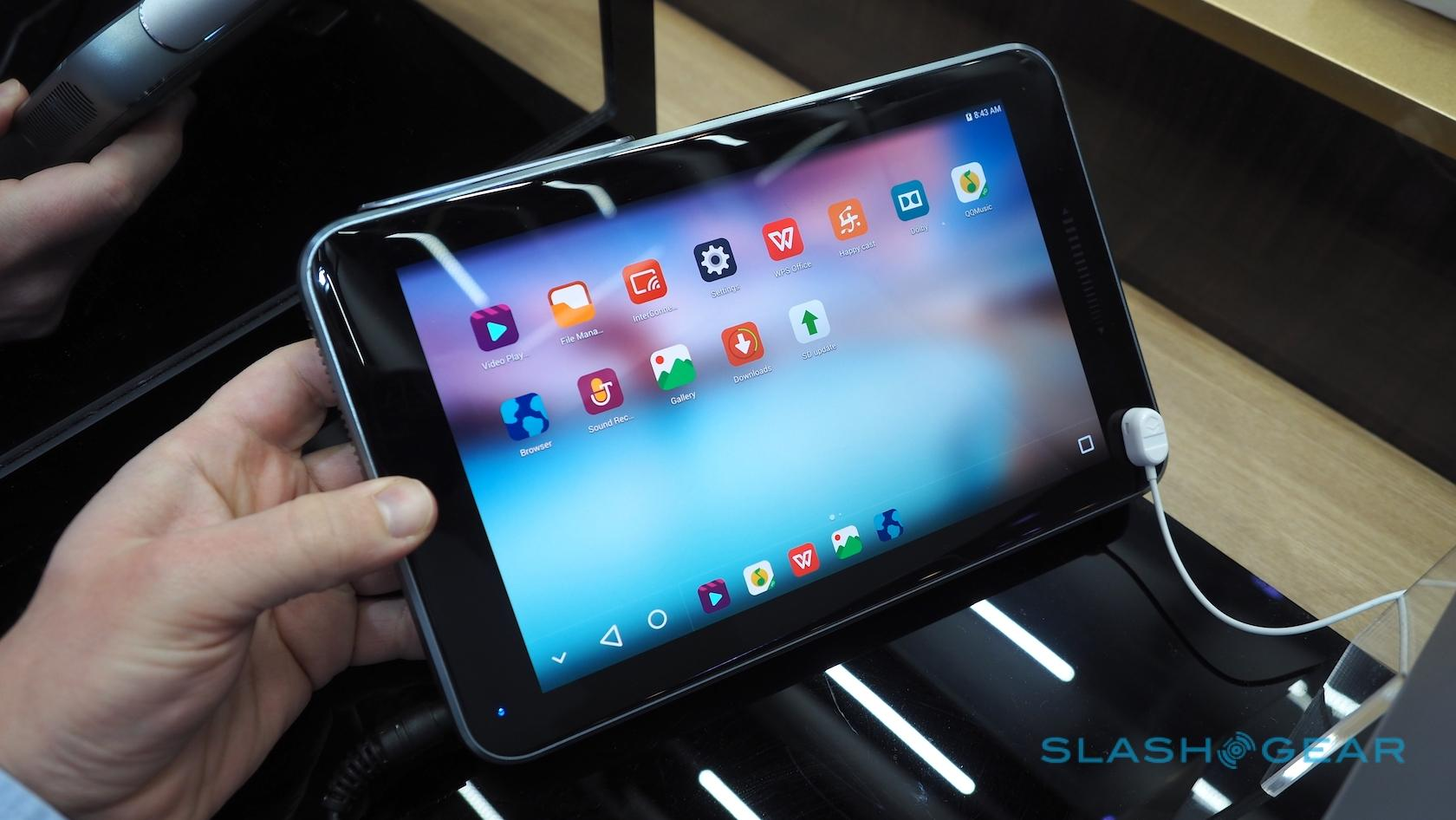 zte-spro-plus-projector-tablet-hands-on-sg-5