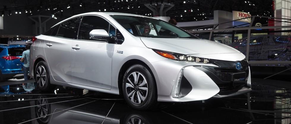 2017 Toyota Prius Prime Gallery