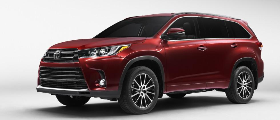 Toyota's 2017 Highlander adds eight seat option and new V6