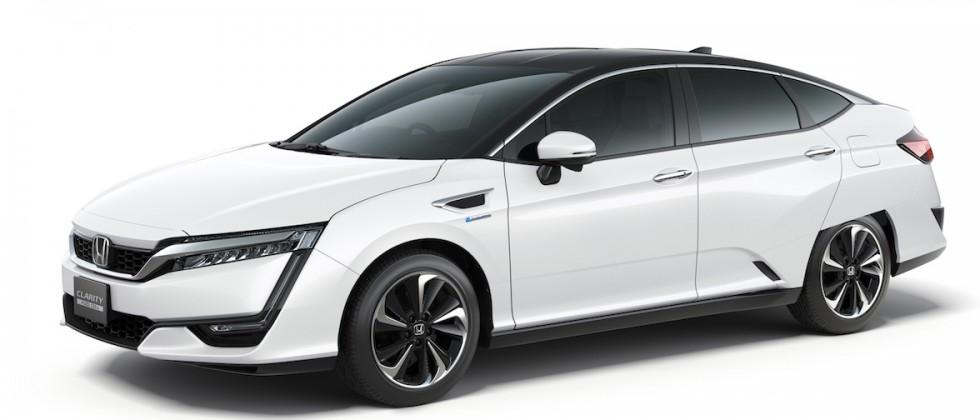 Honda Clarity fuel-cell vehicle goes on sale for limited buyers