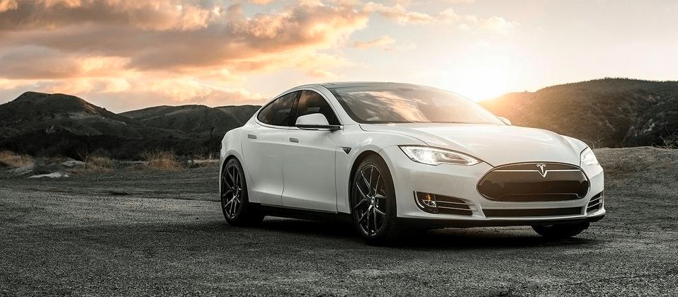 Tesla Model S sedans to finally race each other in new EV series
