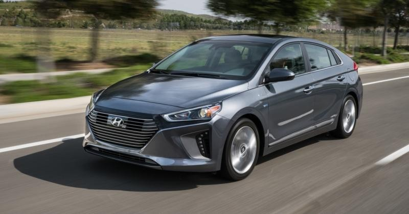 2017 Hyundai Ioniq offer 3 eco-friendly, efficient, hi-tech options