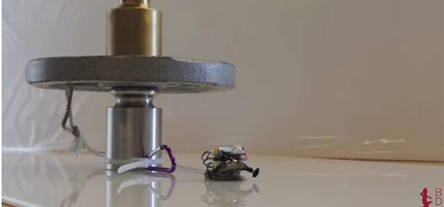 Stanford researchers create tiny synchronized robots that can pull a car