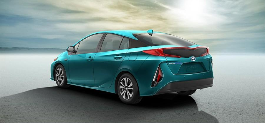 2017 Toyota Prius Prime Aims For 120mpge