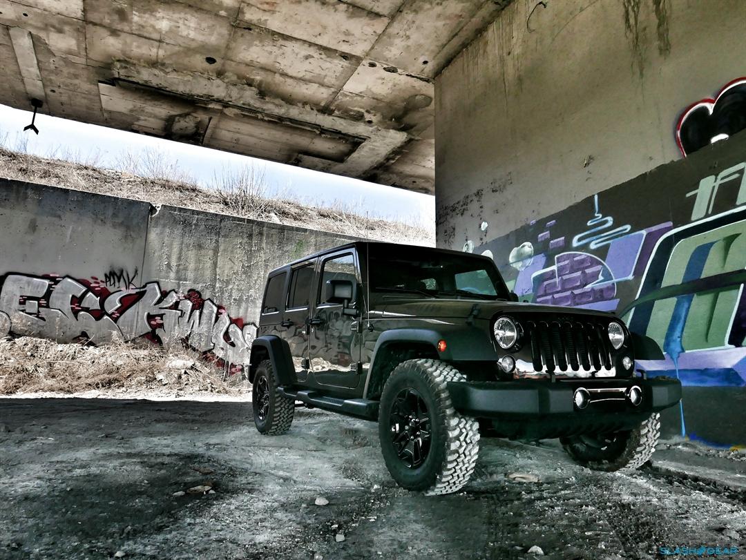 2016 Jeep Wrangler Unlimited Willys Wheeler Review - SlashGear