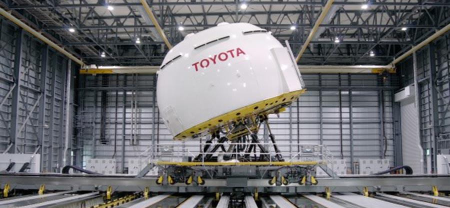 Toyota 'Guardian Angel' system takes the wheel to prevent wrecks