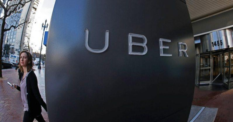 Uber tests out fees for late passengers