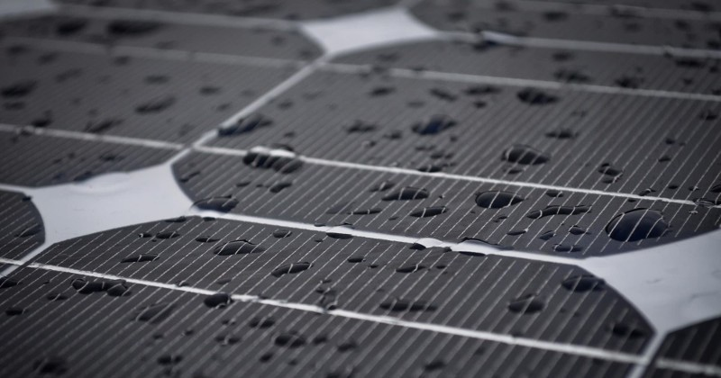 Chinese researchers develop solar cell that can charge in rain
