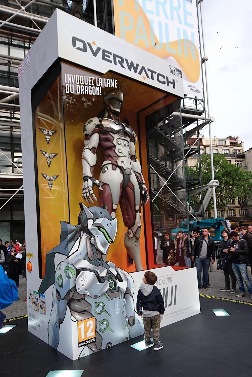 Blizzard sets up giant Overwatch action figures across the globe