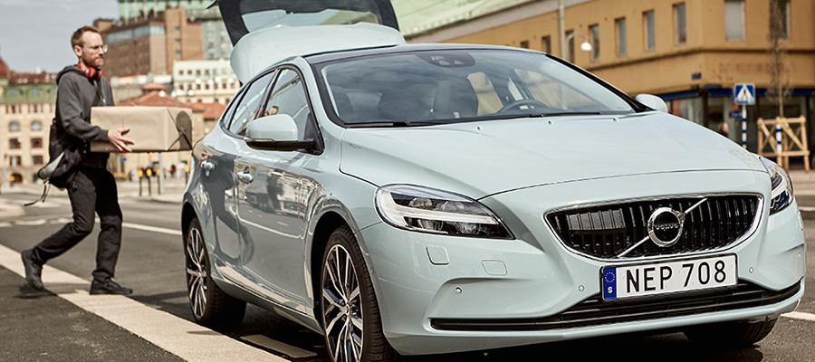 Volvo launches two-hour in-car package delivery in Stockholm