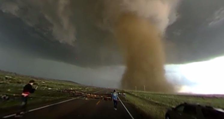 Drive up to Colorado's huge tornado with this 360-degree video