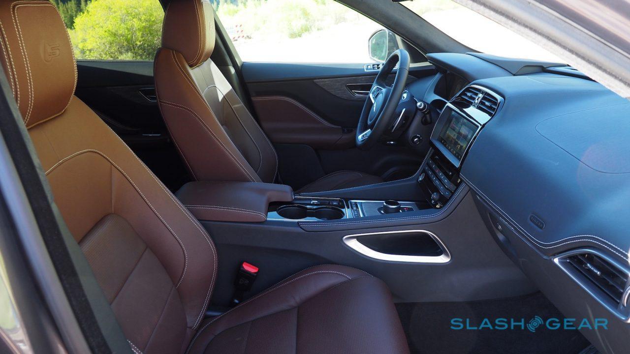 2017-jaguar-f-pace-first-drive-33