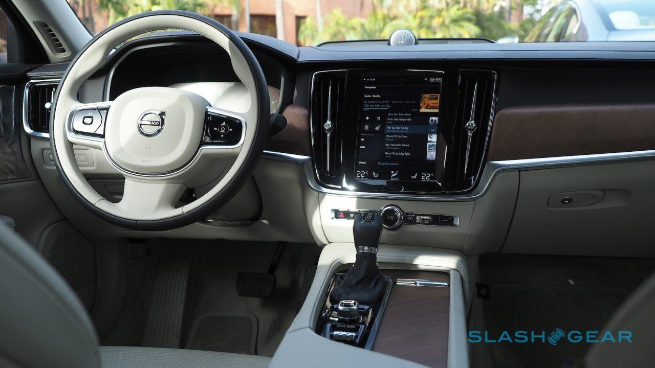 2017-volvo-s90-first-drive-40