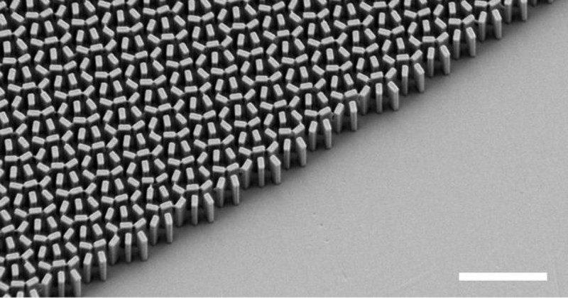 """""""Metalens"""" breakthrough could lead to flat, cheaper lenses"""