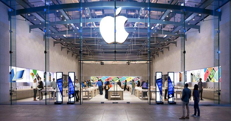 Thieves walk out of an Apple Store with 19 iPhones during store hours