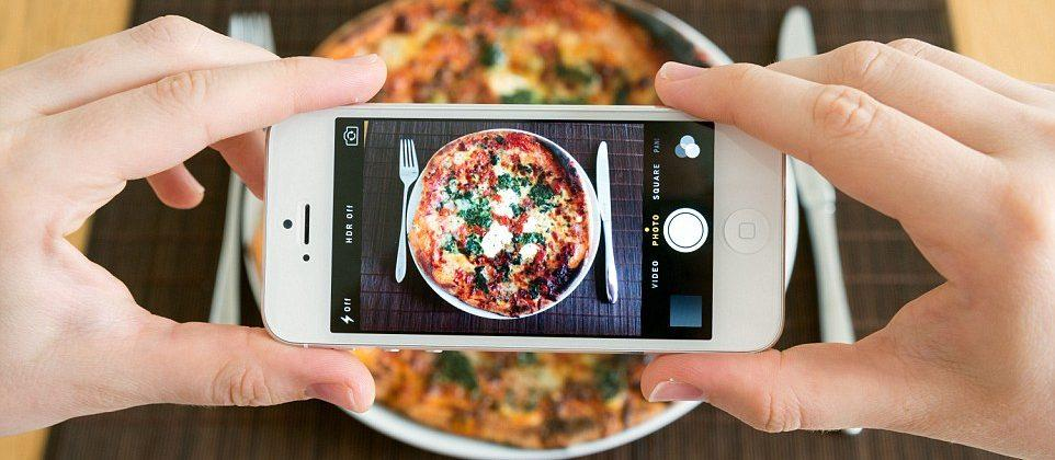 AVA uses food pics to determine the calories in your meals