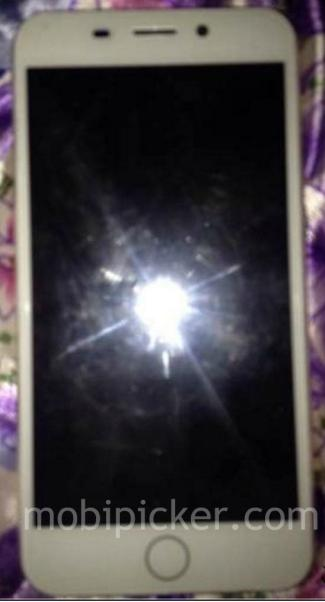 iPhone 7 with touch-sensitive Home Button shown in photo leak