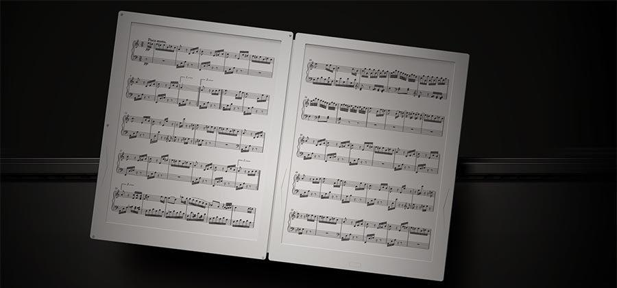 Gvido uses a pair of e-ink screens to display sheet music