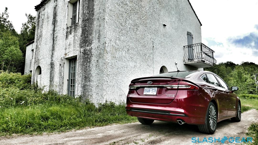 2017-Ford-Fusion-review-photo-SlashGear00011