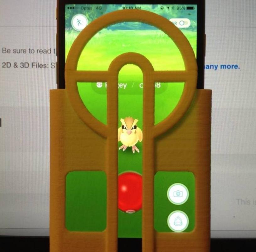 3D-printed Pokemon Go screen cover makes every ball throw perfect