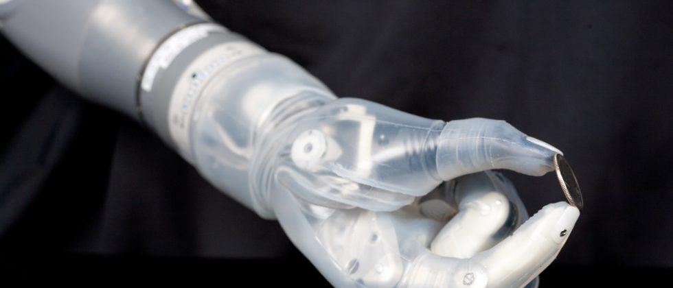 DEKA LUKE prosthetic arm to see commercial release in 2016