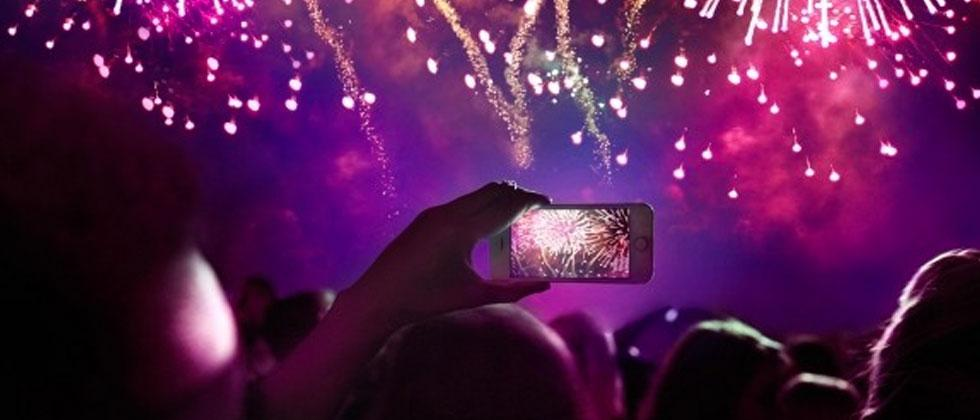 How dare you take photos of fireworks with your phone