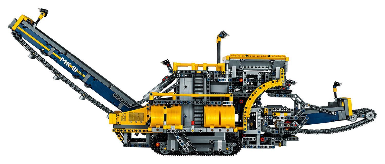 new world 39 s largest lego technic set is a piece mega excavator slashgear. Black Bedroom Furniture Sets. Home Design Ideas